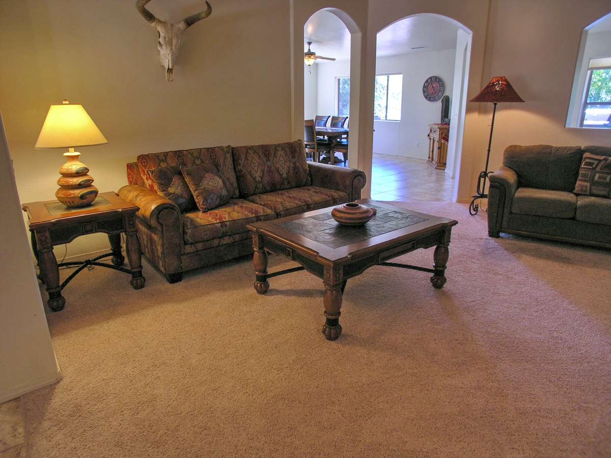 Terra nova living room sedona vacation rental red for Living room realty
